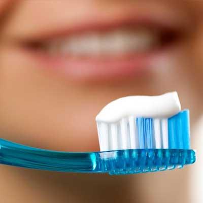 mi sanguinano le gengive quando mi lavo i denti