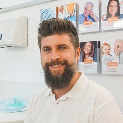 dr. Giacomo Clocchiati Chirurgo odontoiatra ortodontista studio dentistico Orange